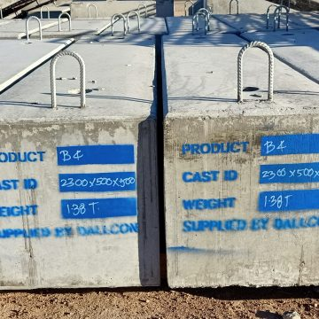 structure footing with product label